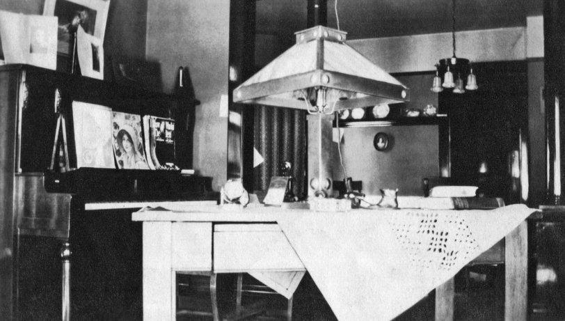 Living Room: 1912