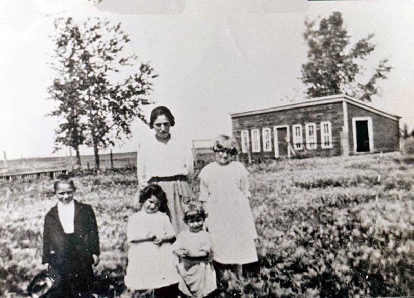 Mom: 1921