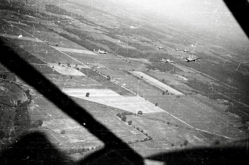 WW2: Multiple Planes