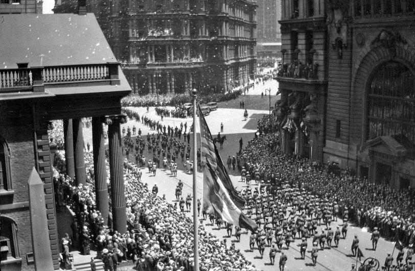 Manhattan Parade 2