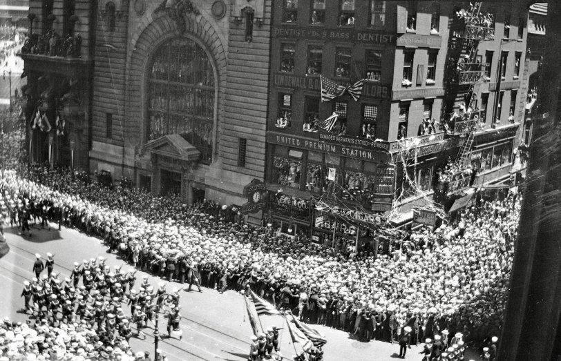 Manhattan Parade 5