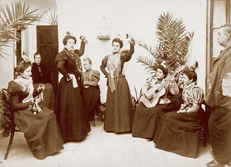Spanish Dancers: c.1900