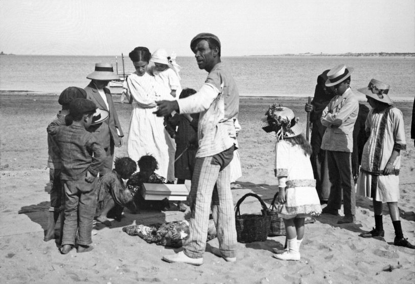 Selling Spanish Seashells: 1915