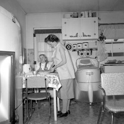 Making Pies With Mom: 1955
