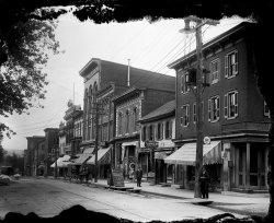 Third & Locust: 1910