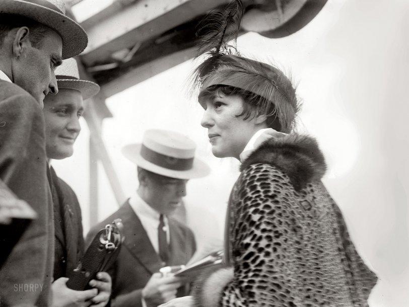Femme Fatale: 1914